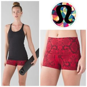 Lululemon Boogie Short (Roll Down) in Snake Red